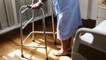 Cannes ou déambulateurs : quel assistant de mobilité pour les seniors ?