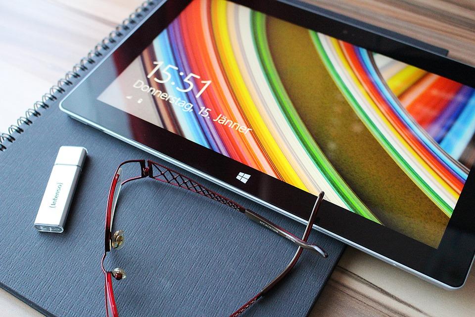 Tablettes pour seniors - ce qu'il faut savoir pour bien choisir