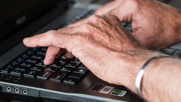 Des applications amusantes et pratiques pour les personnes âgées
